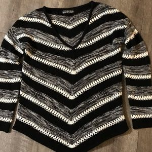 Almost Famous sweater size Large